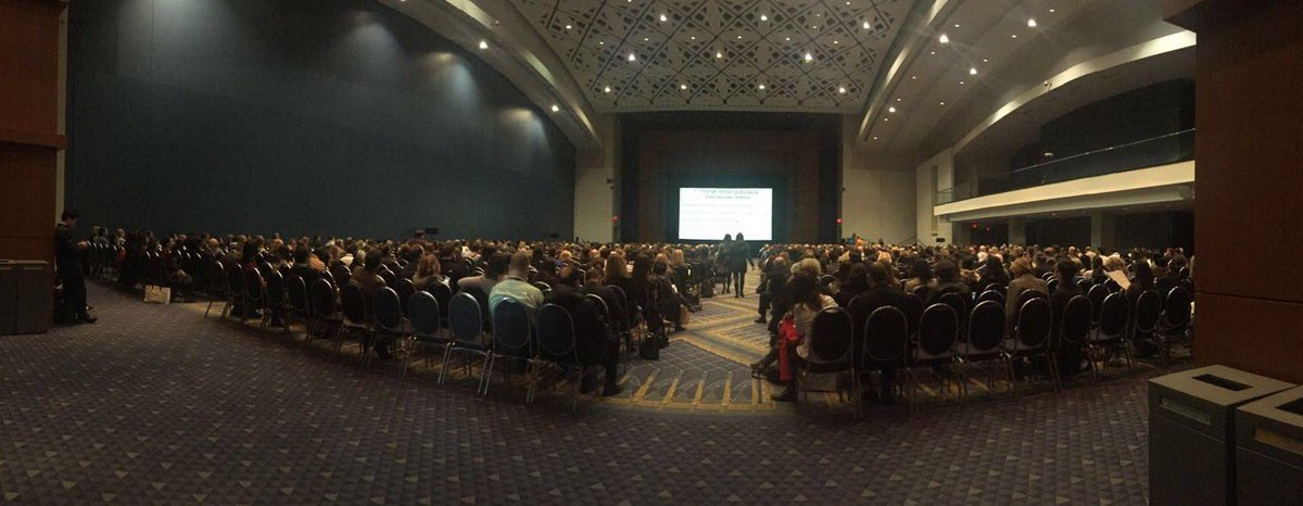 With about 1300 attendees, the Therapeutic Hotline session directed by @SeemalRDesaiMD was a huge success. https://t.co/Cz6HBT5vjJ