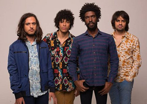 A banda Boogarins invade a América do Norte com 30 shows. Confira no link e no #FiqueLigado https://t.co/kXSUWUNJka https://t.co/ruzUgJhA6G