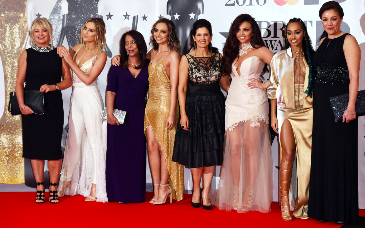 We love that the girls from @LittleMix brought their mums along to the #BRITs2016 tonight! https://t.co/NFw8f5Hhi3
