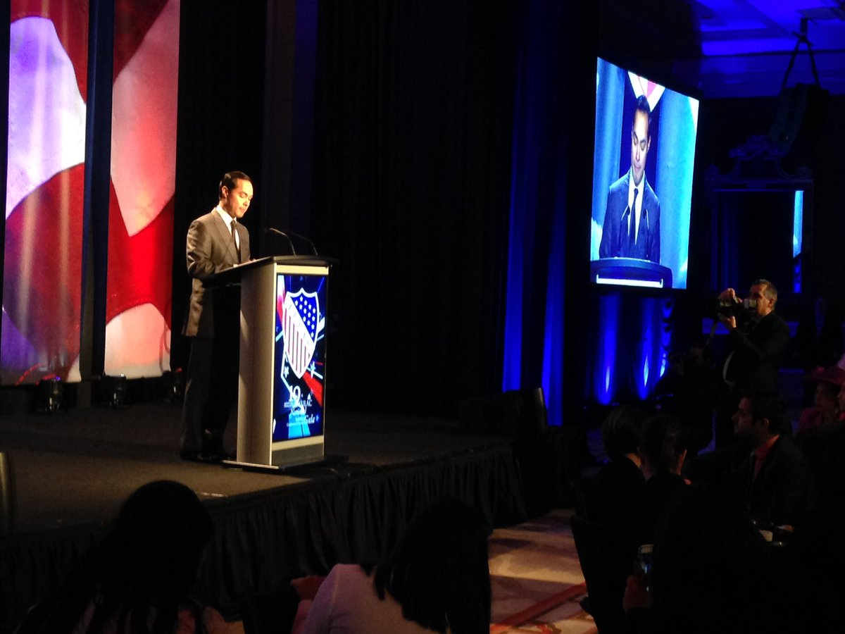 """The #Latino story is an American story, and is what helps makes this nation great."" @SecretaryCastro #LULAC16 https://t.co/wCc5yHedzK"