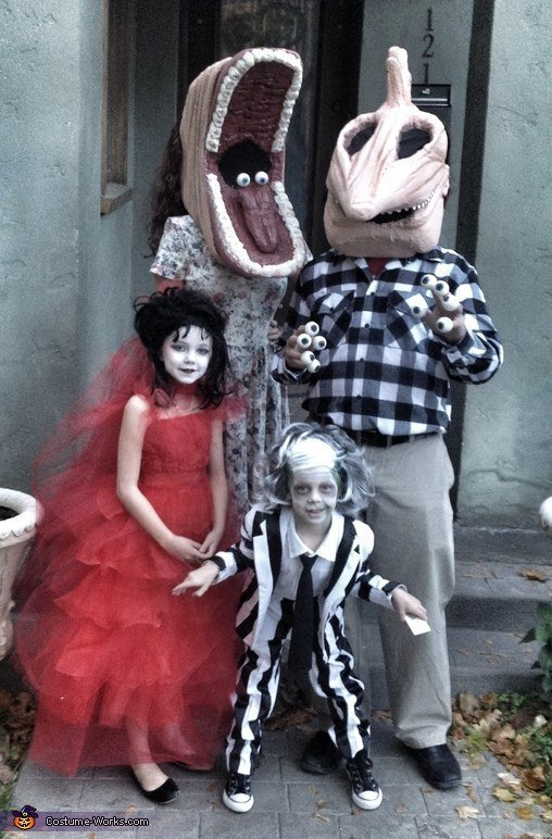 Costume Ideas On Twitter Homemade Beetlejuice Family Costumes Https T Co Mrno21qa1q Https T Co Allr0amfyu