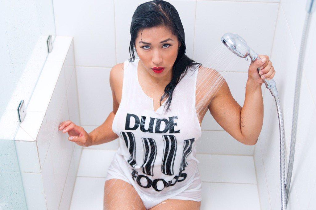 Daisy Ducati Sexually Broken Video