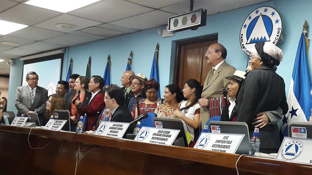 Parlacen recibe el año nuevo Maya, el 4 NO'J, con representantes del Consejo de Autoridades Mayas del pueblo Ixil https://t.co/EWZJZdnKdO