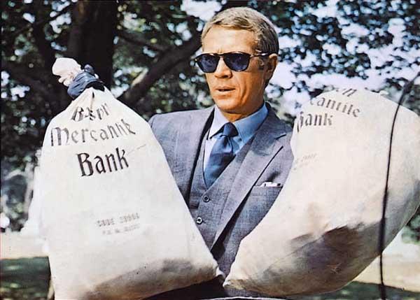 """「クリード チャンプを継ぐ男」のマイケル・B・ジョーダンが3代目""""トーマス・クラウン""""に就任。「華麗なる賭け」のスティーヴ・マックイーン、「トーマス・クラウン・アフェアー」のピアース・ブロスナンを継ぐ男として億万長者の泥棒を演じる。"""