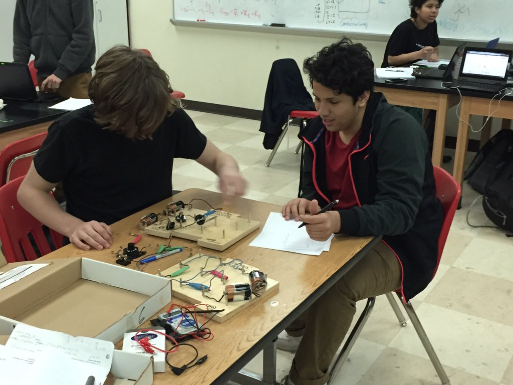 Sarah Goldin On Twitter Ghsinlab Stem Today Series V Parallel Circuit 5 Circuits Exponential Fx Of Cell Phone Battery Charge Data Good Times Https Tco Ljsjk6rjwe