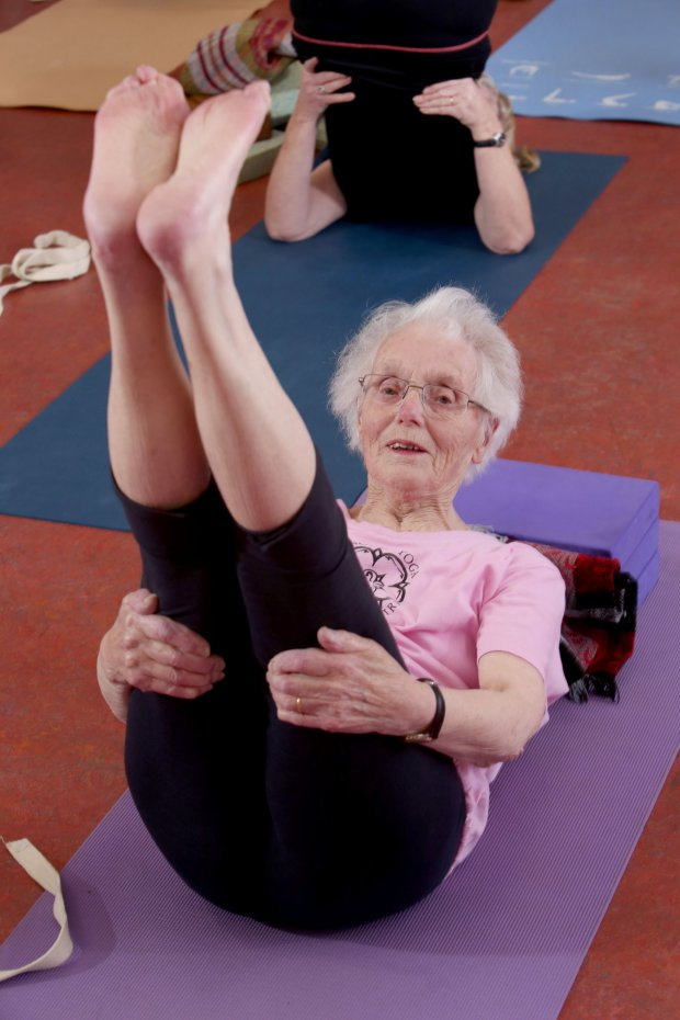 100-year-old yoga-loving grandma is ultimate fitspiration https://t.co/tokY4tSQhX #yoga #iyengar #seniors #older https://t.co/p3rvUChfSP