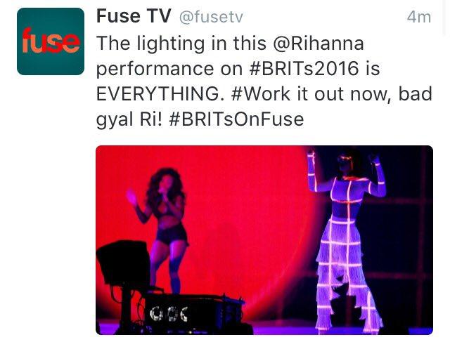No-Promoción >> Era ANTI (BRIT Awards actuación Pag. 44) - Página 45 CcDUXlnUAAINZGB