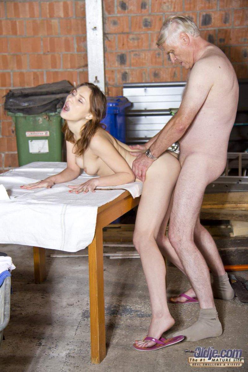 Ana martin se fait casser le cul - 2 part 9