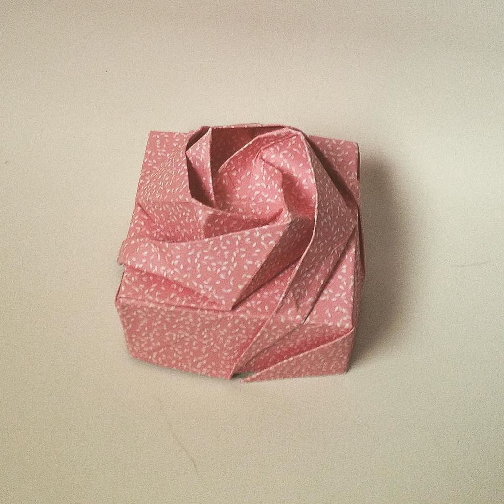 Luca On Twitter Origami Rose Box Model By Shin Han Gyo Origami