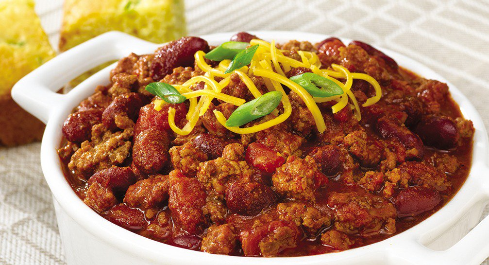 This warm & hearty meal tastes extra great during winter - today is #NationalChiliDay...what's your favorite kind? https://t.co/zwndIJvO9S