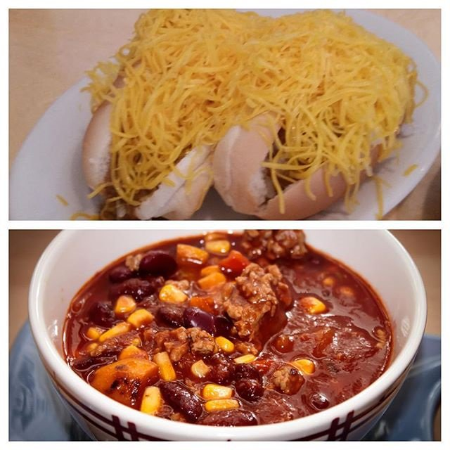 It's #NationalChiliDay! Do you like your chili coney-style or in a bowl? We like both!!! https://t.co/EP5oD7ZAQZ