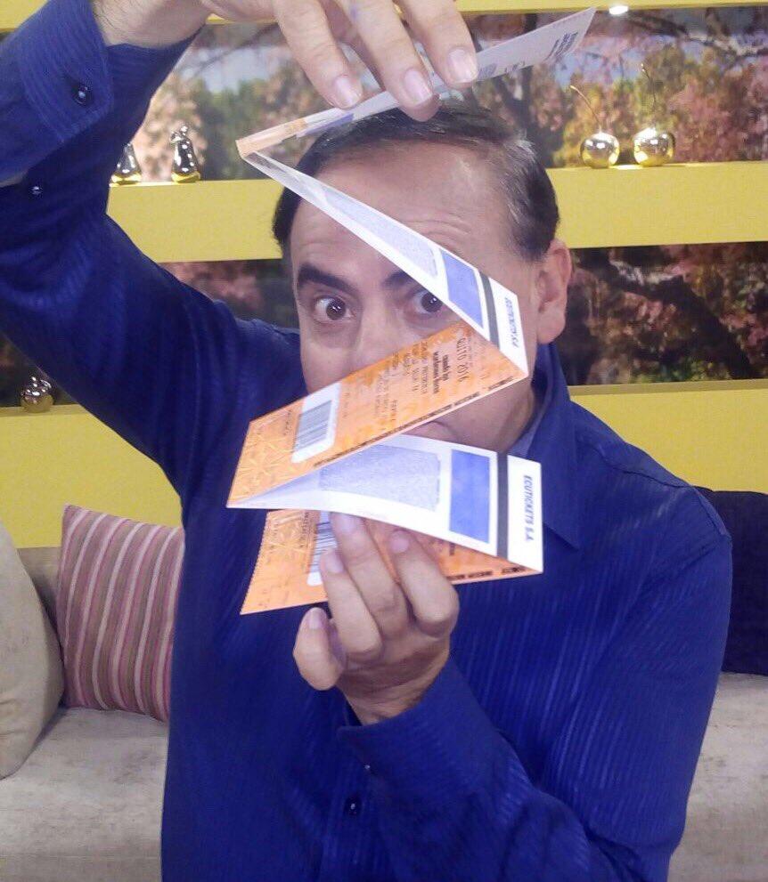 🎟 Da RT a la foto si quieres las ENTRADAS. ¡Gana! 🎉 Hay 5 para Quito y 5 para Guayaquil. Recuerda, HT #MiFamiliaEs. https://t.co/XR8GJH4Kv8