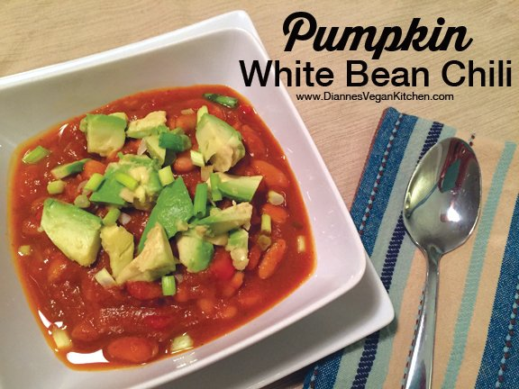 Celebrate #NationalChiliDay with #vegan Pumpkin White Bean Chili! https://t.co/U2jL3j73Ji https://t.co/nVI9PN6M89