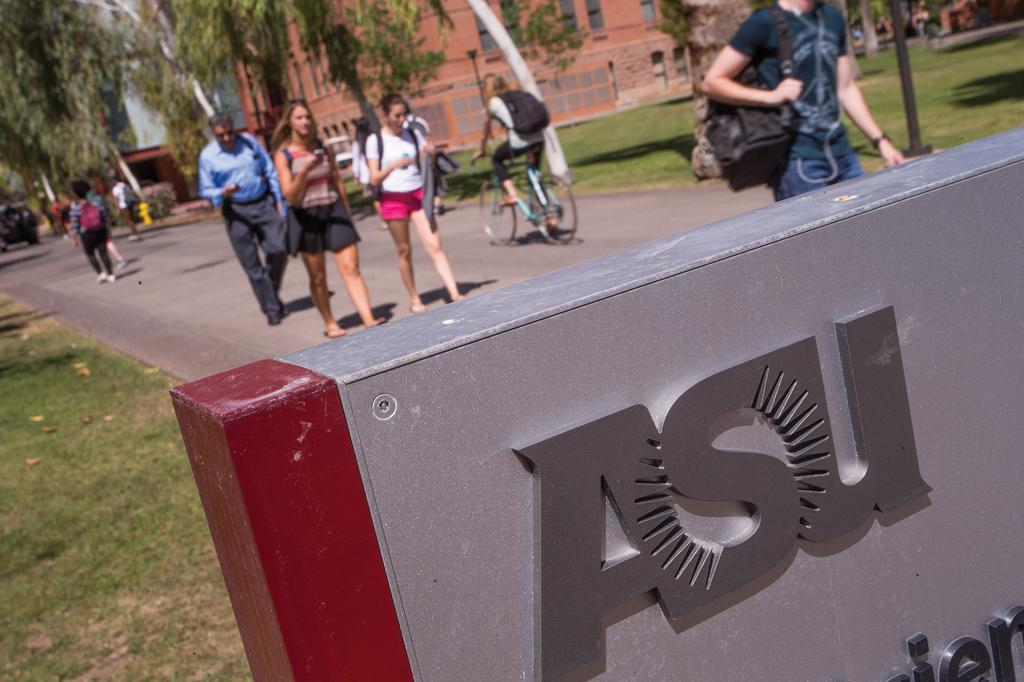 .@ASU climbs, @UofA falls in 2nd annual college rankings from @bizjournals -- https://t.co/DTOq5TF0RD https://t.co/NtyJ87kBBI