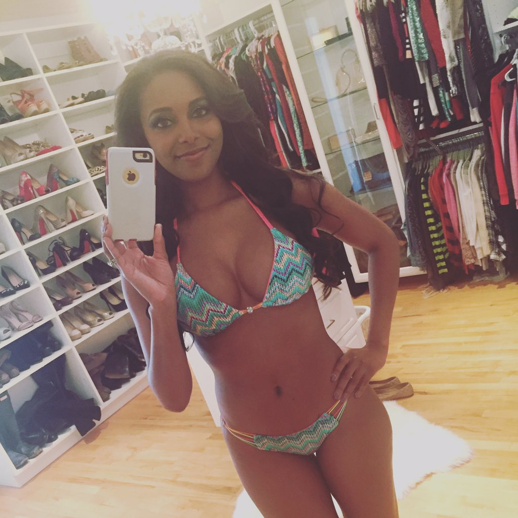 Hot Cleavage Brandi Rhodes naked photo 2017