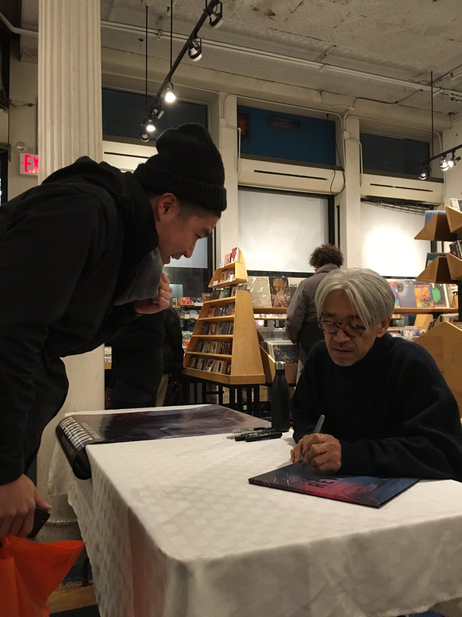 """.@ryuichisakamoto at Other Music signing copies of the soundtrack to """"The Revenant."""" #ryuichisakamoto https://t.co/6EVuyfDPt8"""