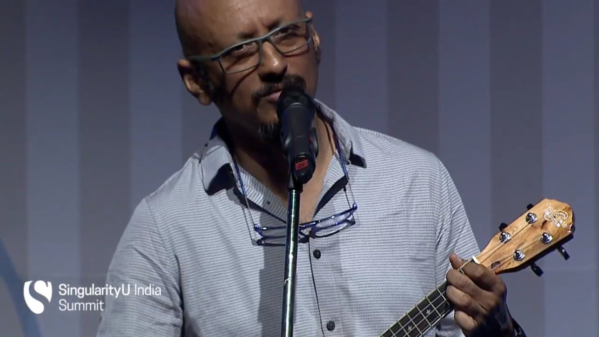 #SUIndiaSummit kicks off on a musical note with a beautiful melody by @shantanumoitra https://t.co/cyHJo14CAk