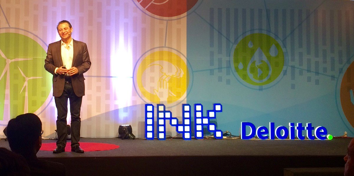 @PeterDiamandis on the power of #Exponentials @SUIndiaSummit brought to India by @Deloitte @inktalks #SUIndiaSummit https://t.co/B9Q7mj5ApA