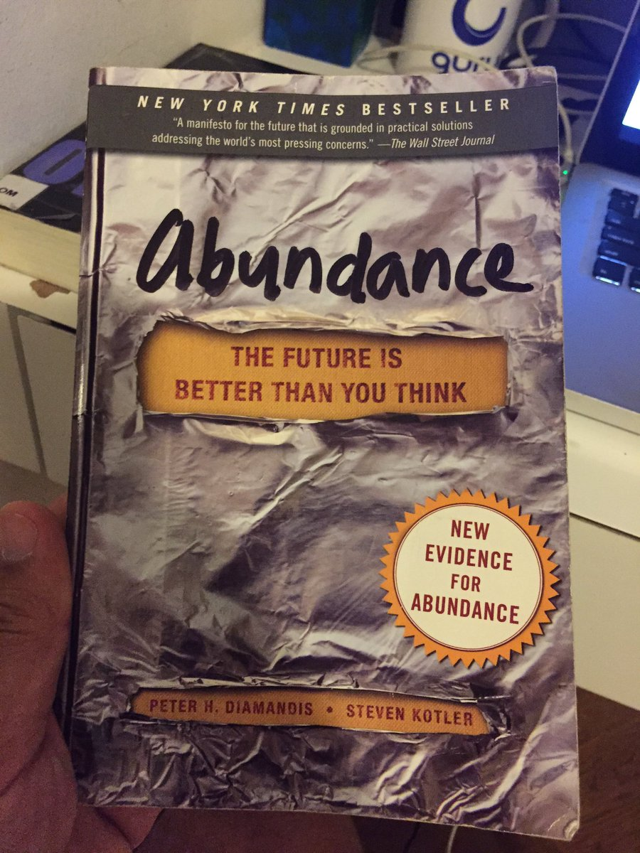 You must buy the book and have Peter Diamandis to sign it. This man is part of history. #SUIndiaSummit https://t.co/icGAPRZYUS
