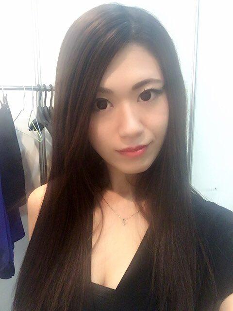衣装チェーンジ♡♡♡りかちゃんの衣装借りたー✧*。٩(ˊωˋ*)و✧*。 めっちゃ着たかったから嬉し!!! #CPPlus2016 #レキサー