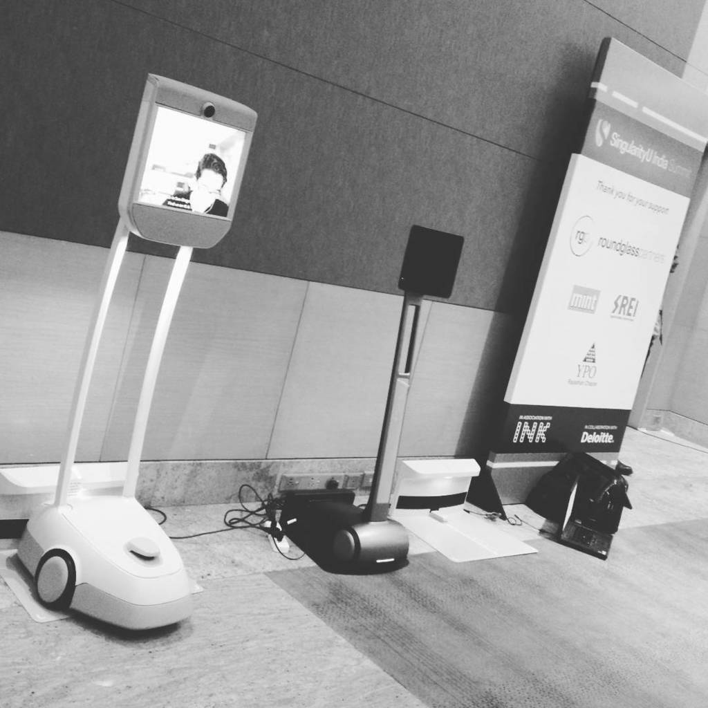 First hand experience with #robot at #SUIndiaSummit #automation #future #fun #scary by niravsanghavi https://t.co/n6PUY5gQ2F