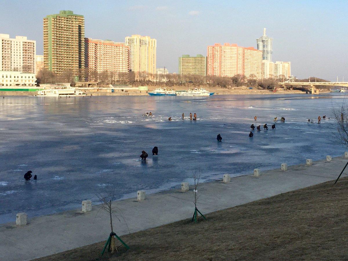 الحياة في كوريا الشماليه ..........متجدد  CcIrk9ZUAAA3hKq