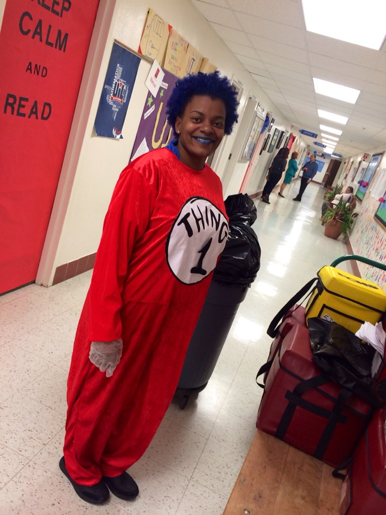We can't have #ReadAcrossAmerica without people like Ms. Wilson and her awesome hair :) @NEArESPect https://t.co/f6lGzT2WMY