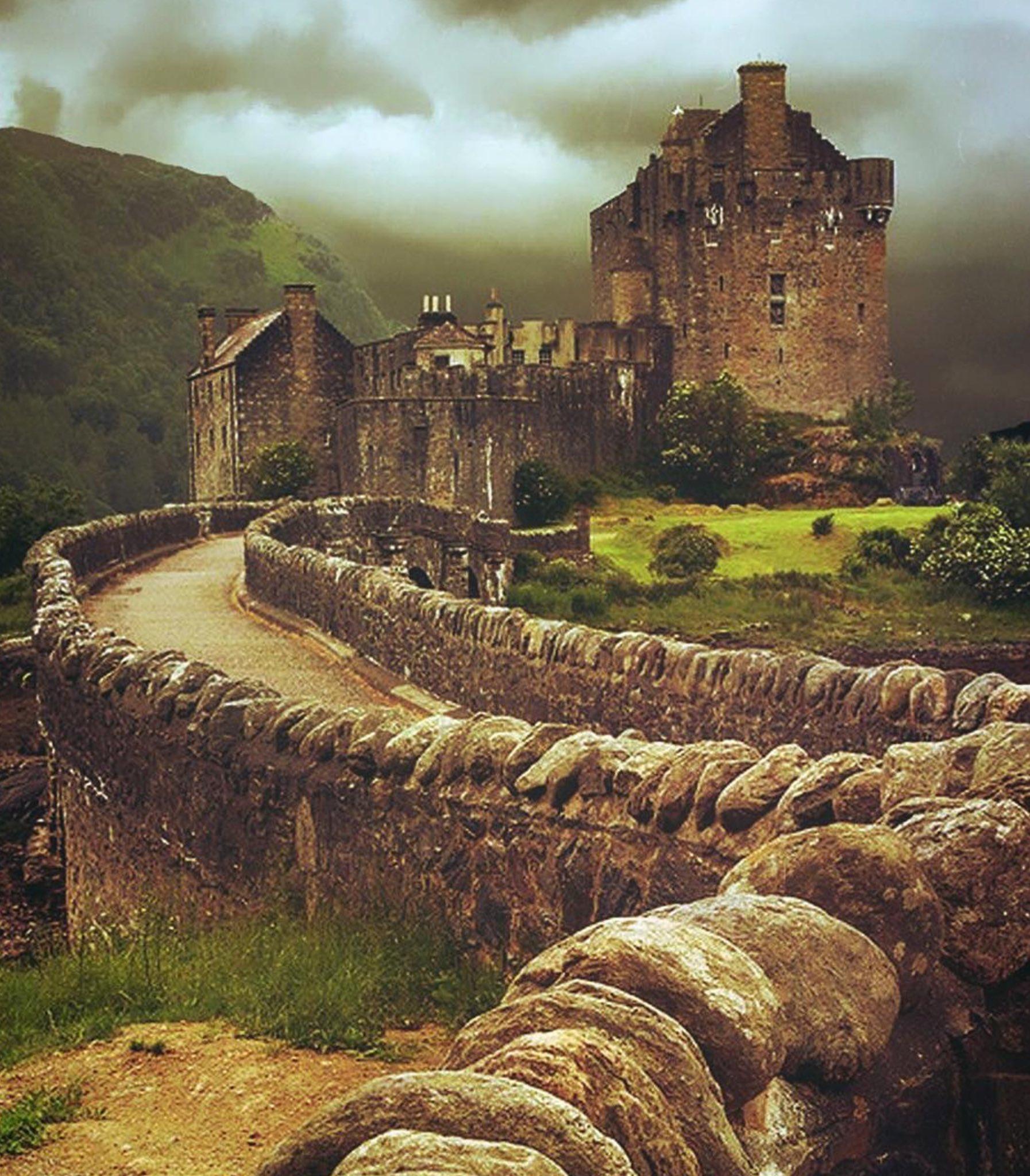 Фотографии древних рыцарских замков в горах