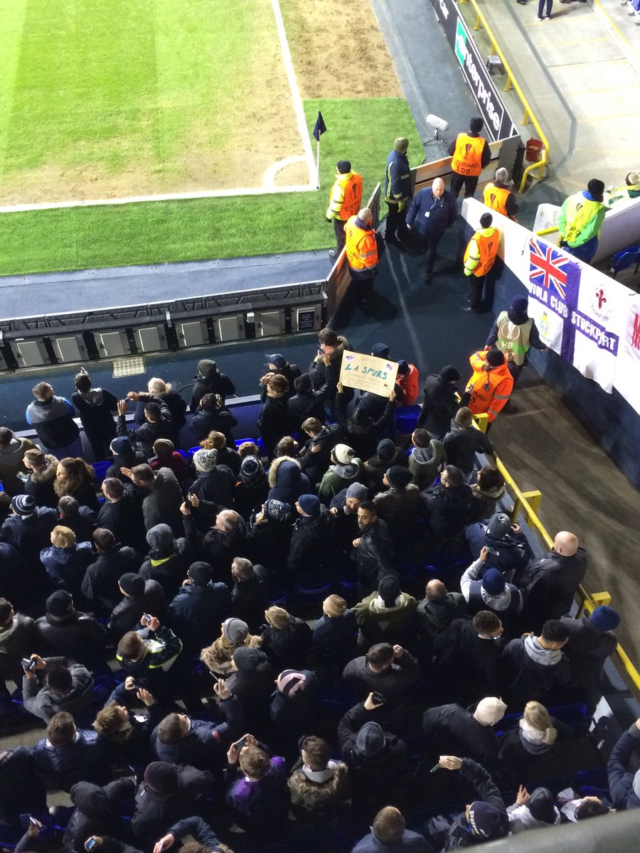 @HotspurAmerica Good to see a LA Spurs sign at the Lane last night in the west lower  #COYS https://t.co/ut90Jtjzh1