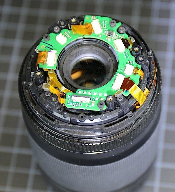 Ever wonder what's inside a Fuji lens? Check out our first Fuji teardown. #fuji #fujifilm https://t.co/tHLGFoXtFO https://t.co/QYsgC99XgQ