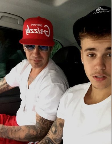 CONGRATS! #JustinBieber's dad Jeremy is ENGAGED — WATCH his proposal: https://t.co/ZOCXRJuhQE https://t.co/XvyeUttdz7