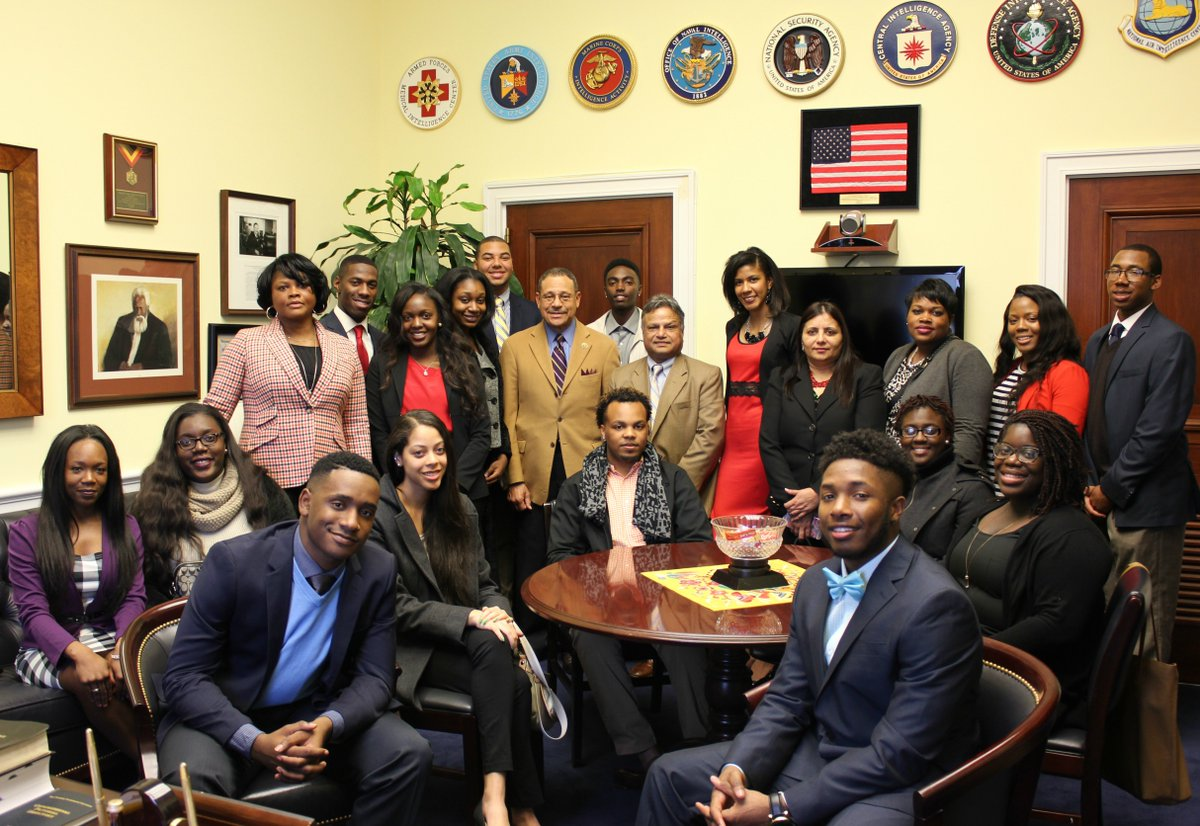 These are the faces of future prosperity in America! Thank you @FVSU for visiting with me. #FVSU https://t.co/GIdgmrjgu4