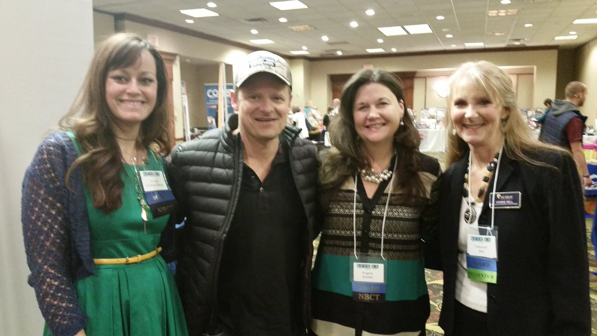 @Stevezahn @angiegunter wow! Steve stopped by to see @robynpeterman and we got lucky to take pic! #KCTE2016 https://t.co/yHuD9MwB2i