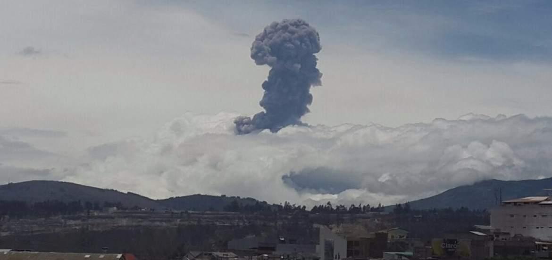 Incredibili immagini del Vulcano Tungurahua in Ecuador