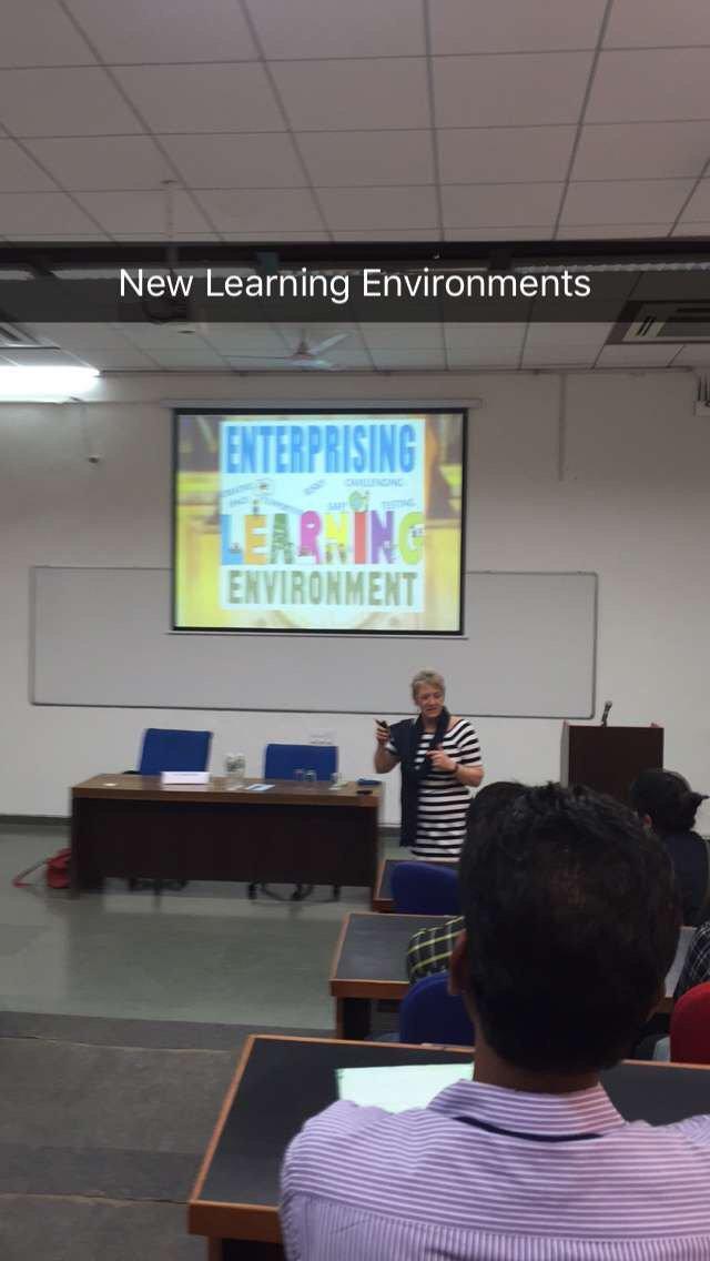UWS Empresario India - cover