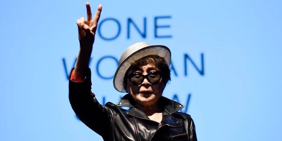 Yoko Ono ricoverata e dimessa dall'Ospedale a New York (VIDEO)