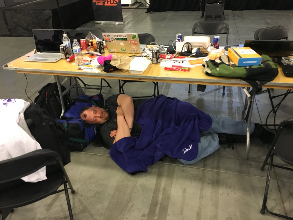 Christian Jensen On Twitter 1st Man Down LaunchHack In A Sinch Blanket Of Course Come And Get Your Own An The Sincdev Booth Tco JOlU8KZQSt
