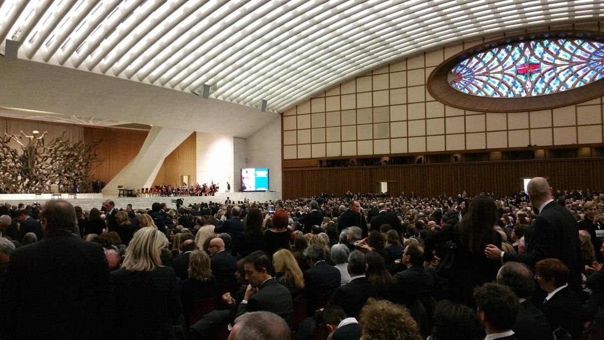 Sala Nervi gremita di imprenditori in attesa di ascoltare parole Papa Francesco @GiubIndustria con Confindustria TV https://t.co/pdSYBtzhwa