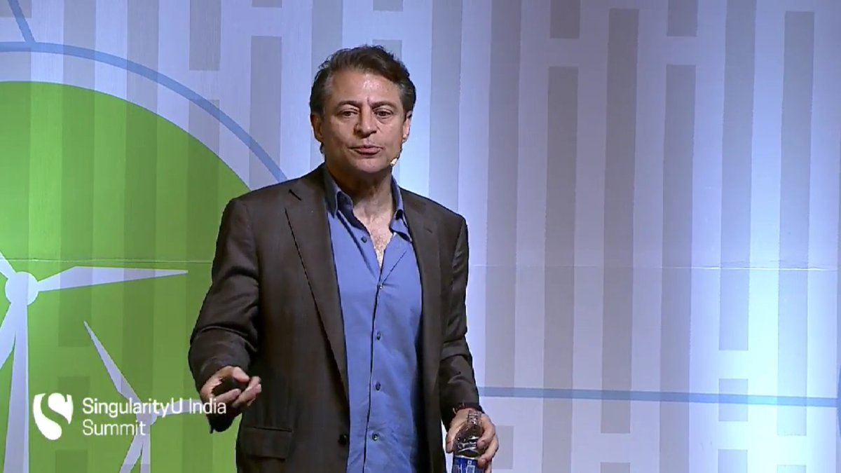 Explosive ideas, Mindsets and Moonshots - @PeterDiamandis has the audience gripped at #SUIndiaSummit https://t.co/CXG3mc1FnA