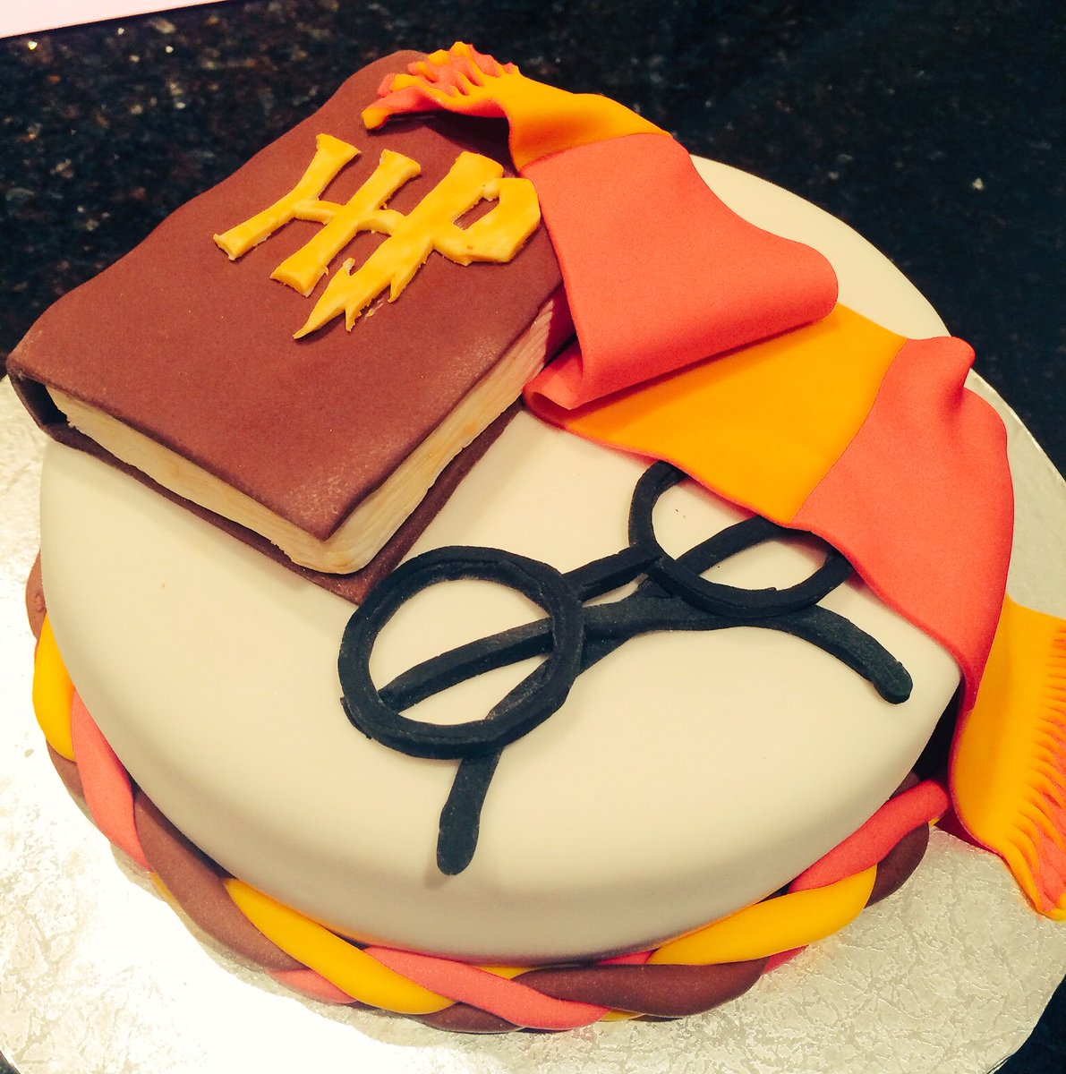 Magnificent Patrick Burke On Twitter Amazing Harrypotter Birthday Cake Personalised Birthday Cards Cominlily Jamesorg