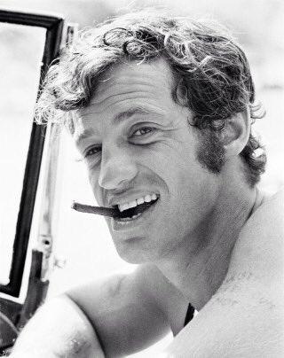 先ほどの『COBRA』のツイットが盛り上がっているようです。コブラといえば主人公にフランスの有名な俳優ジャン=ポール・ベルモンドがモデルされたそうです。 https://t.co/tHVIAKVEHb