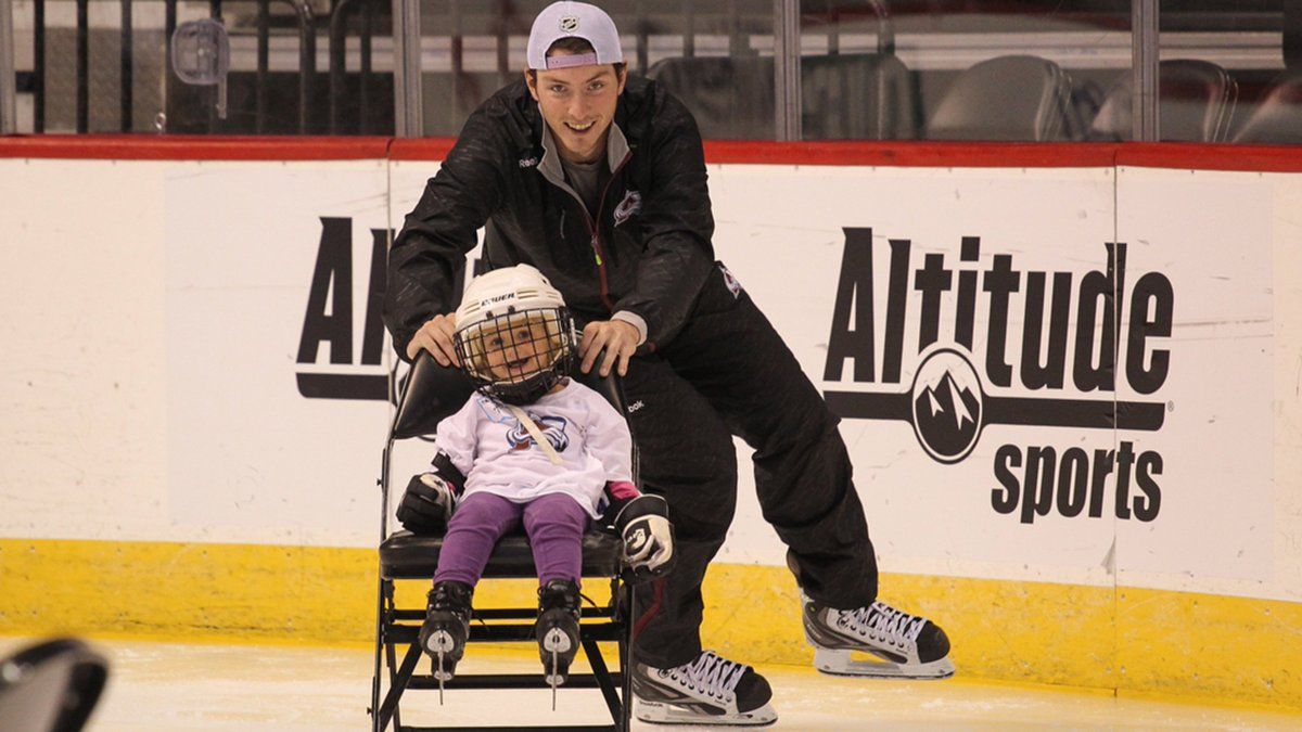 Does it really get any better than this? Great work @Matt9Duchene. Story by @drosennhl https://t.co/mj3jWNPjiM https://t.co/q99xU7OXG9
