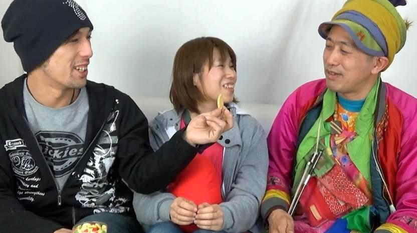 「甘えん坊ひとみんの 魔法をかけちゃうぞ! 〜31話〜」(Tokyo Borderless TV)。ひとみん の TV番組に、「生身の」ひんでん さん 登場。