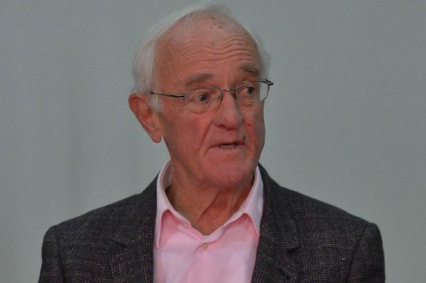 BREAKING: Frank Kelly, better known as Father Jack, has passed away. https://t.co/UkqTeWDDaX