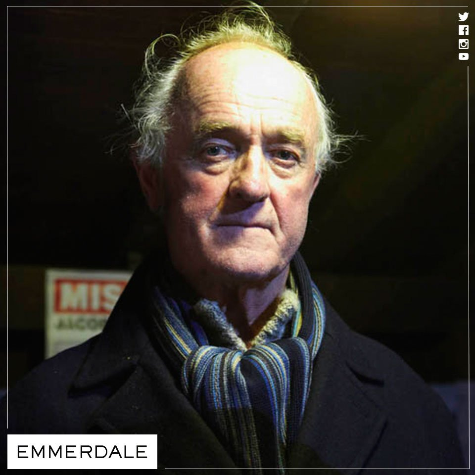 Former Emmerdale actor Frank Kelly dies | Calendar - ITV News