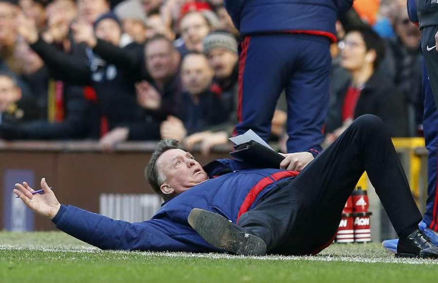 Van Gaal Memes: vignette divertenti Manchester United-Arsenal 3-2
