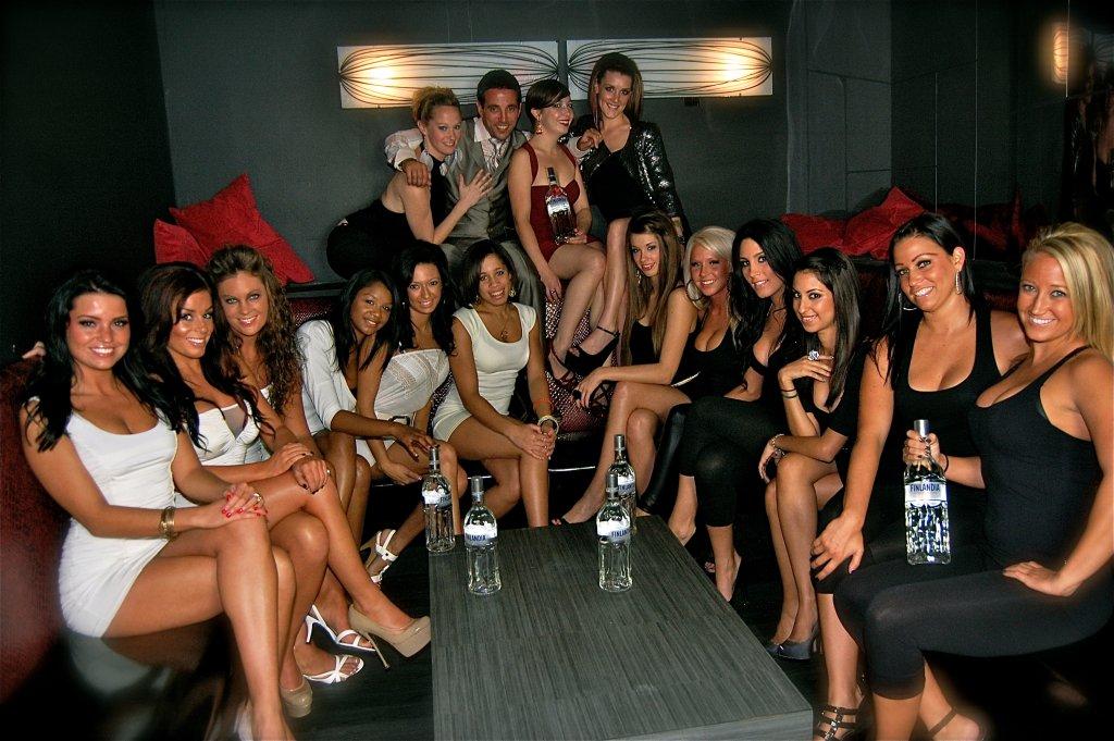 Bi girls in party — pic 14