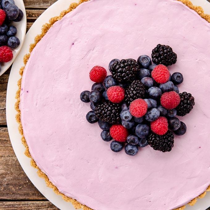 Mmmm... Yummy! No-Bake Mixed Berry Cream Cheese Tart - get the recipe: https://t.co/wnVymQHiIw #SundaySupper https://t.co/mIo71TVBiq