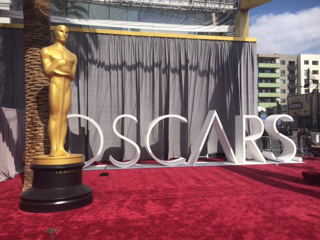 Academy Awards  - Page 17 CcVD_8vWoAA9E_-