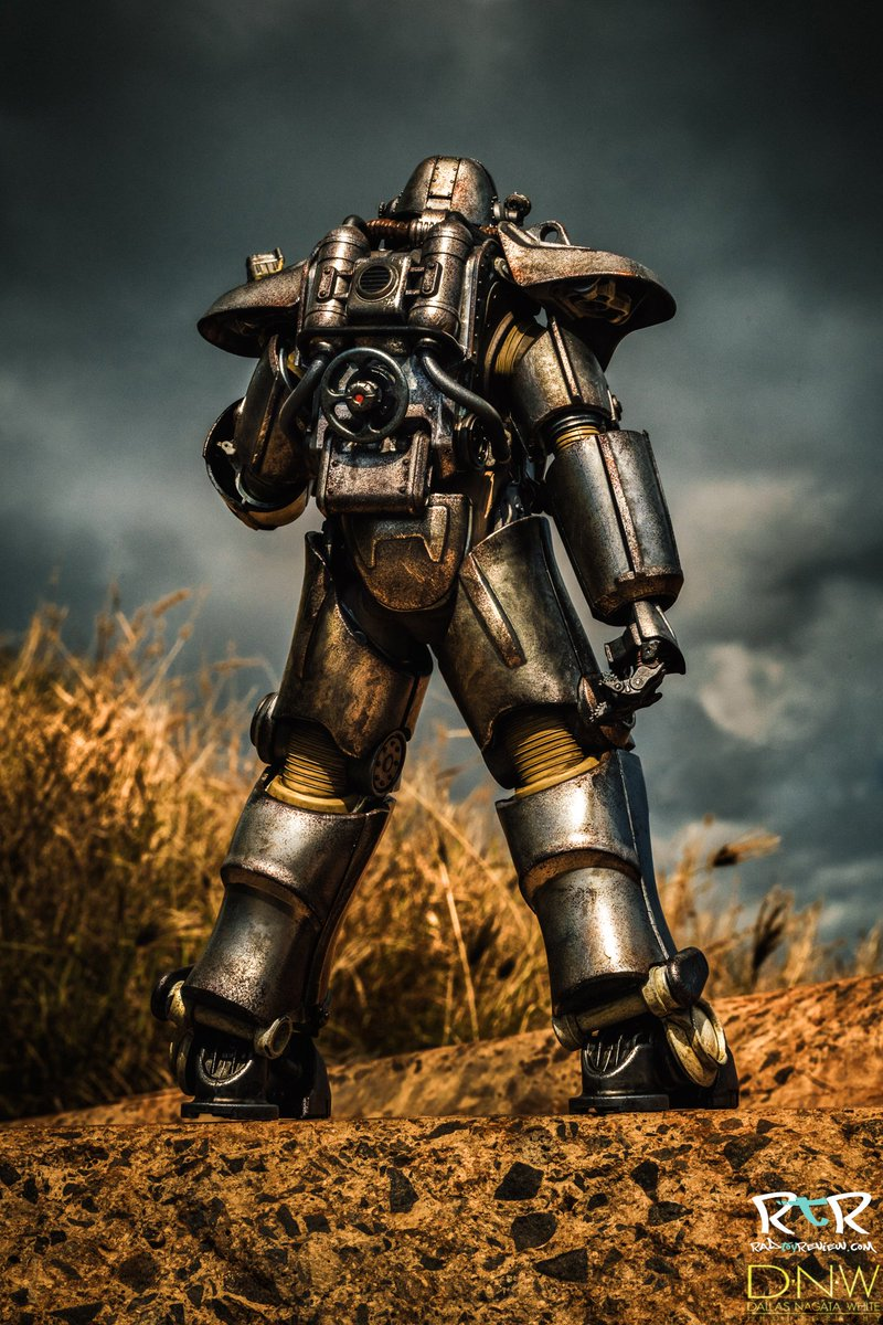 Booty shot for @radtoyreview ;) @Fallout @threezeroHK #Fallout4 https://t.co/Iv7u5kdRpC